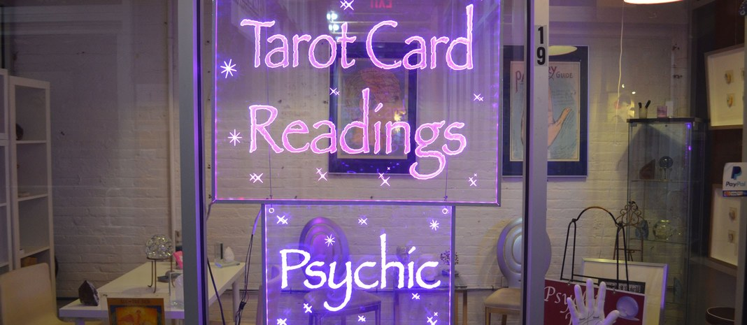 psychic readings,powerful psychic readings,psychic love readings,dream interpretations,fortune tellers,palm readings,tarot readings
